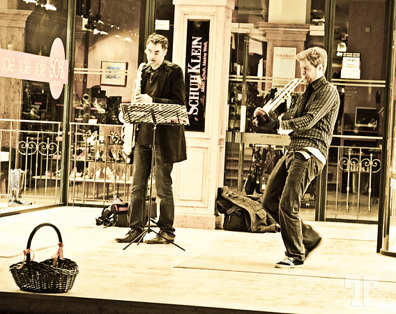 Night music players in Munich - Munchen, Germany