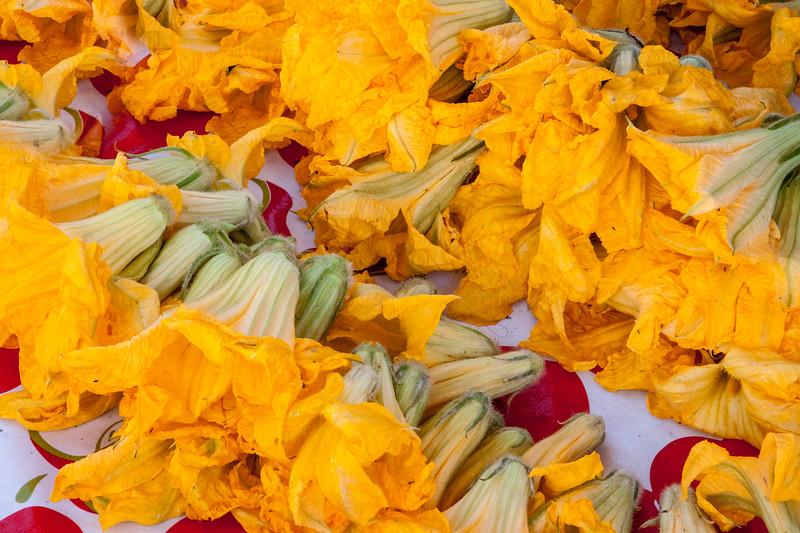 Squash blossoms at Acatlan de Osorio, Puebla, market