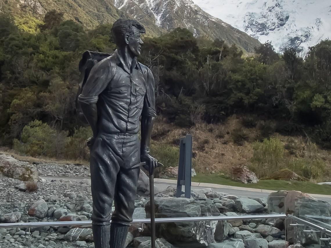 Sir Edmund Hillary statue in bronze by Bryn M. Jones
