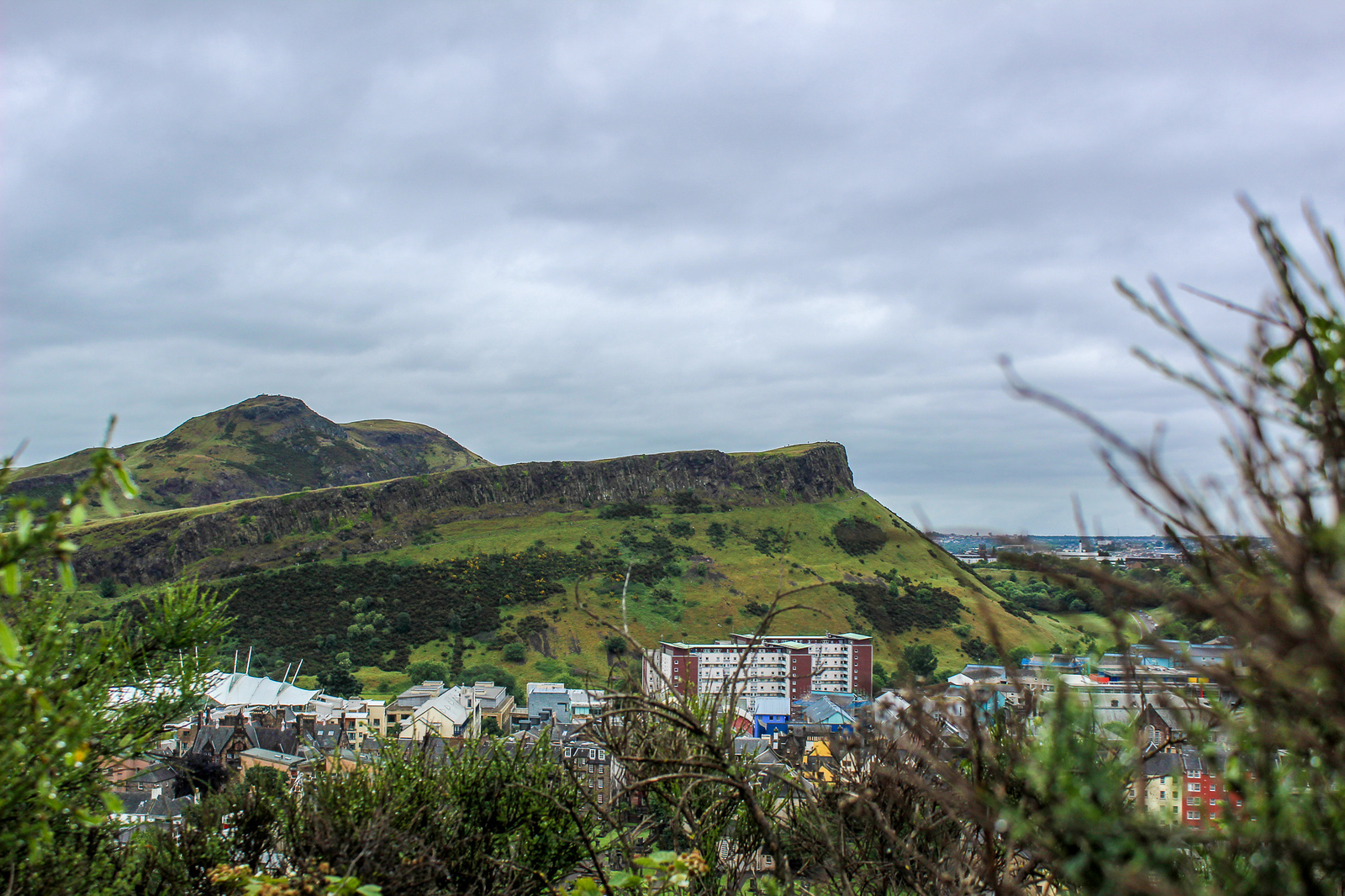 a weekend trip to edinburgh means hiking arthur's seat