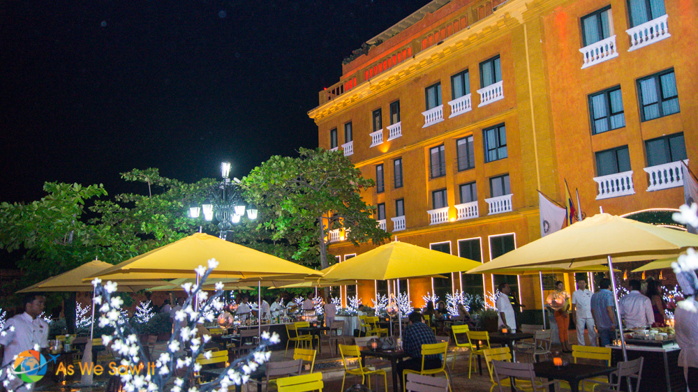 Outside cafe offering great food and a warm ambiance to all passing by in Cartagena.