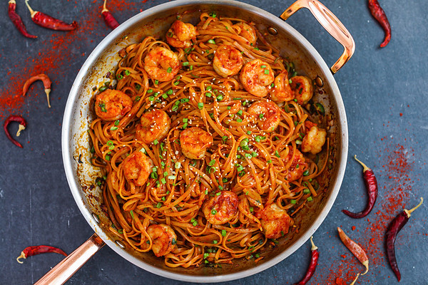 Spicy Garlic Shrimp Noodles