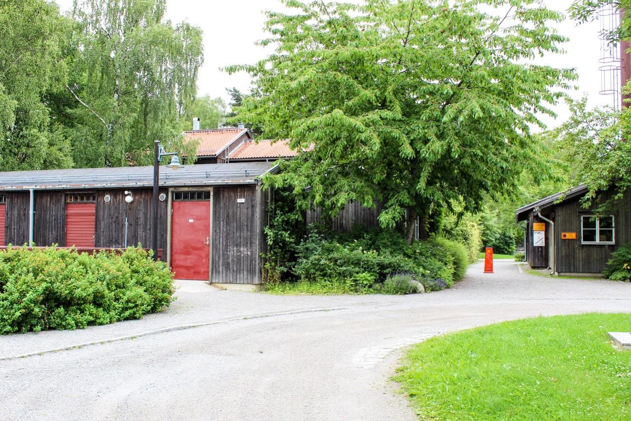 Understenhöjden and Skogskyrkogården