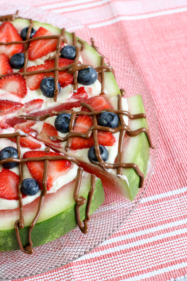 Time to enjoy the rest of summer with this delicious Watermelon Pizza recipe. It is a delicious sweet treat - perfect for any occasion!