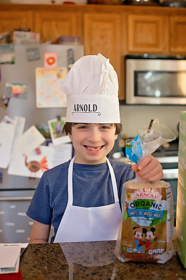 #AD 5 Tips For Healthy Cooking With Kids, including using our Arnold Organic for Kids White Bread made with Whole Wheat. #MickeyTrueOriginal