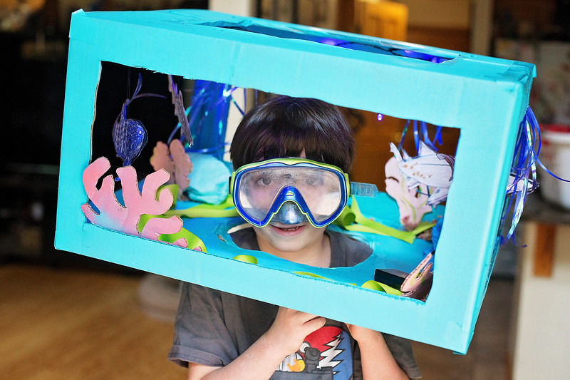 #ad My Aquarium Amazon Prime Boxtumes costume has sharks, coral & lights too! Here are the #DIY instructions. #morethanabox #primelife @amazon