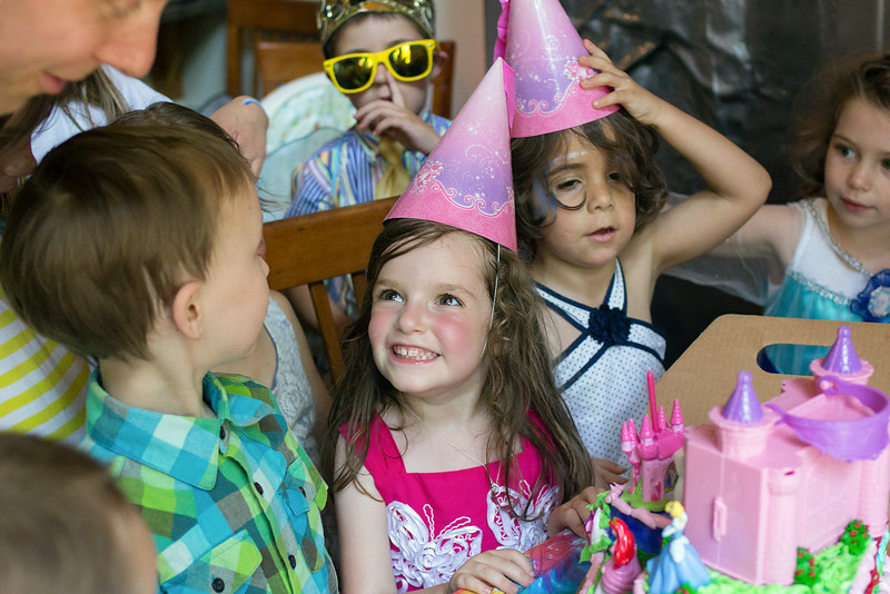 Professional photographer Tamara Bowman shares her top 5 tips for capturing the magic and photographing children's parties.