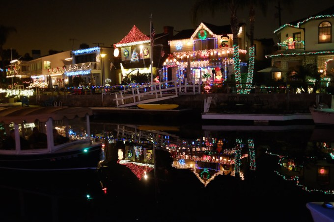 frank b baiamonte christmas lights naples island long beach
