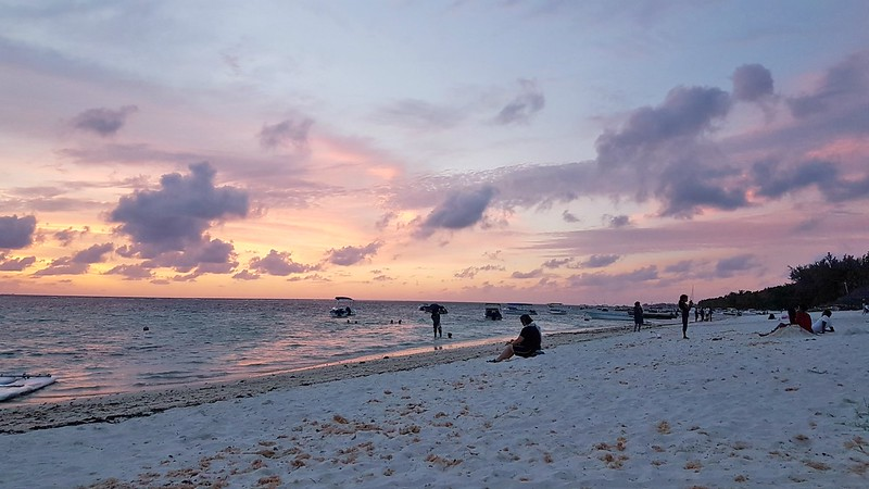 Short Guide to Mauritius - sunset on the beach