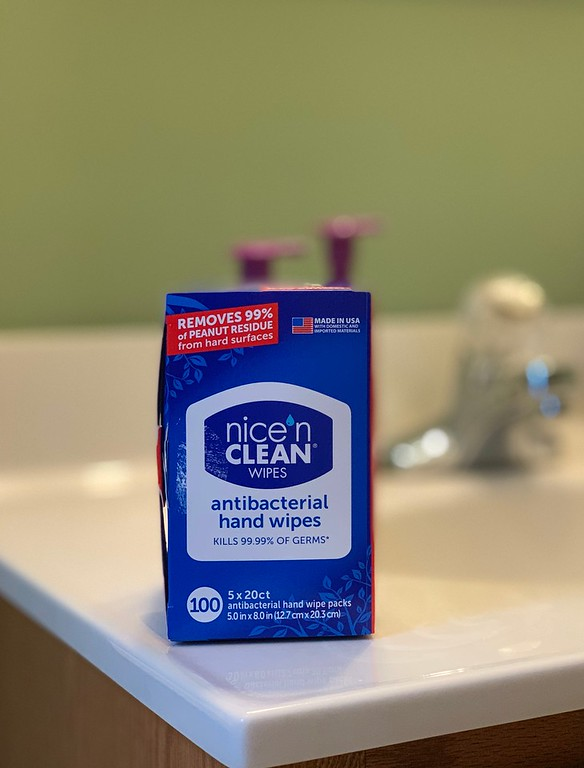 Trust me that you're going to need these Nice 'n CLEAN Antibacterial Hand Wipes all through cold/flu season. Here are 5 hacks #ad #nicencleanwipes #whywipes