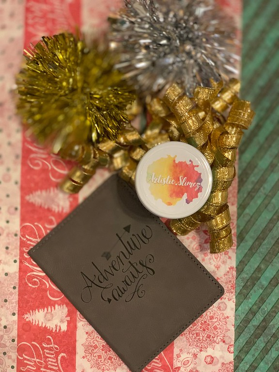 Amazon Handmade checks gifts off my list! I'm finding handcrafted, unique gifts while supporting small businesses at the same time. #ad #IC #AmazonHandmade