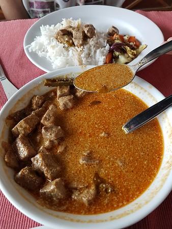 Maldives on a budget - fish curry