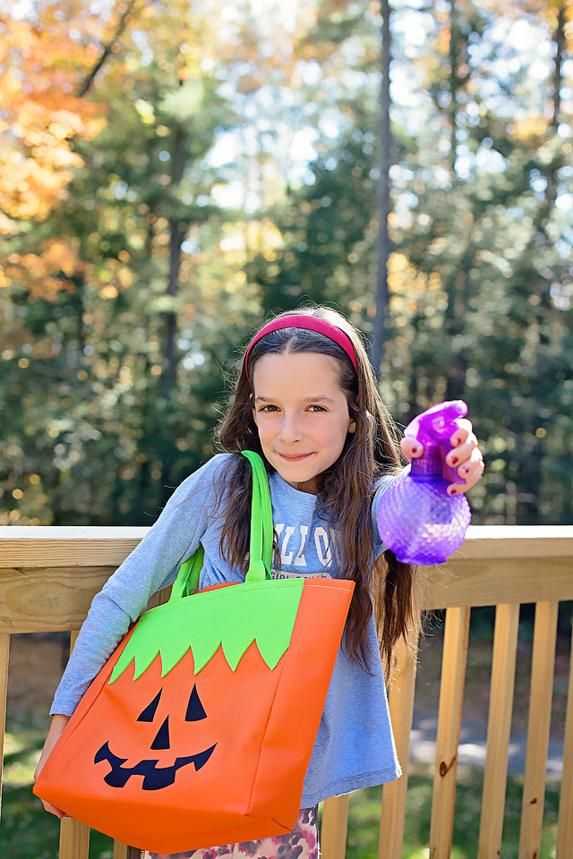 #ad My 10 Best Halloween Cleaning Tips to get out those numerous Halloween stains! #Rainbowlnternational #RainbowToTheRescue #HalloweenStains #GetNeighborly