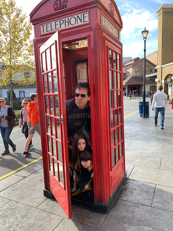 Looking to travel to Universal Orlando Resort? There is SO MUCH to do, see, taste and enjoy. Here are 10 favorite #family experiences: #ad #ReadyForUniversal