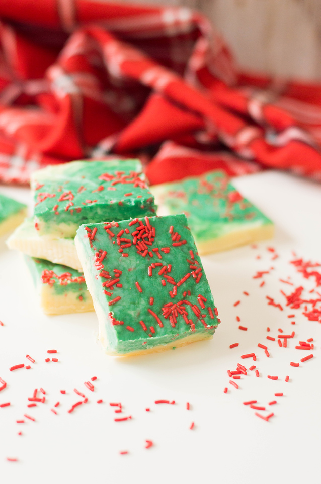 Christmas Fudge is such an easy and delicious last minute addition to your Christmas Eve or Christmas Day menu. Fun, easy to make, and colorful too! #recipe