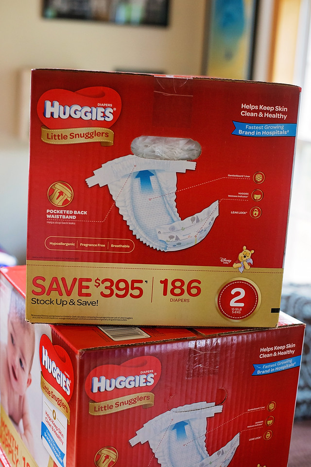 AD Expecting a baby, or looking for the best baby gift? How about buying diapers in bulk at Sam's Club? Huggies Diaper Bundles make a thoughtful and practical gift, especially when paired with something special from the heart.