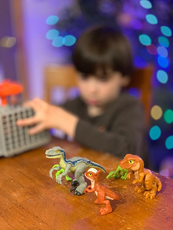 Jurassic World toys make the BEST gifts & the best use of time during holiday break. Get them ALL at Walmart #JWUnleashed #BattleDamage #AmericasBestToyShop