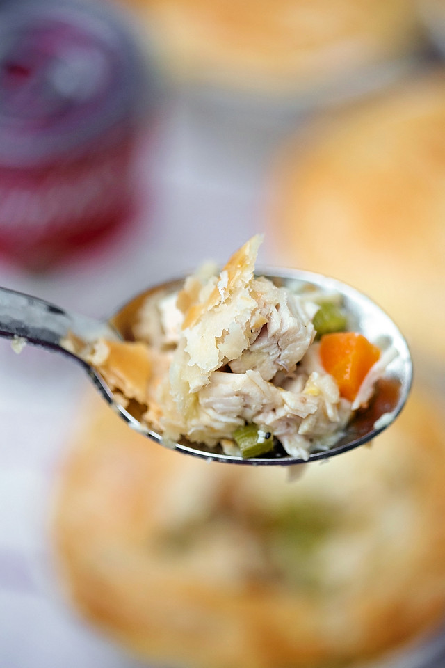 Looking for a quick & easy weeknight meal for back to school? Head to Walmart for Campbell's and make my Chicken Noodle Pot Pies #CampbellsShortcutMeals #ad