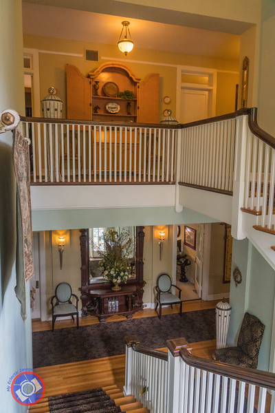 The Grand Staircase at the King's Daughters Inn (©simon@myeclecticimages.com)
