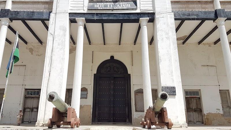 Worst Museum in the World - the big door