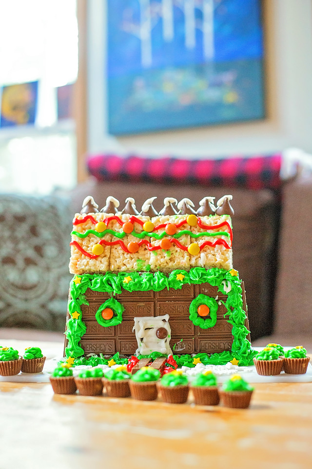 #ad Take a break this holiday season because family togetherness is what it's all about. Make this adorable #CandyCabin with your favorite #Hershey products