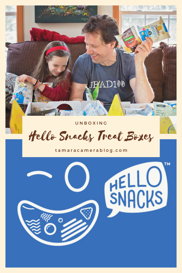 What's more fun than unboxing a Hello Snacks Treat Box? They come in USDA Organic and Non-GMO Project Verified and are perfect for family fun! #HelloSnacks