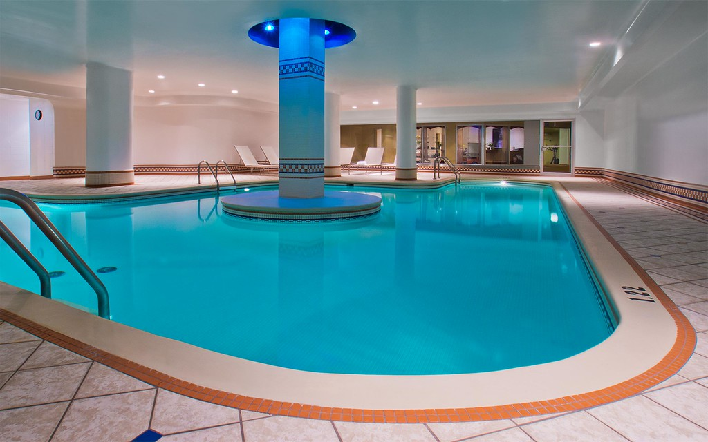 Hotels with a pool in Old Quebec City: Hotel Manoir Victoria
