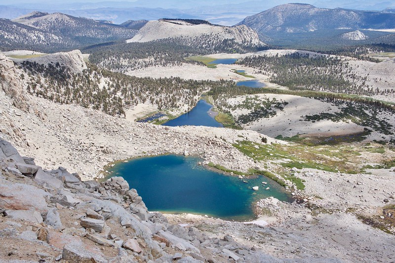 best hiking trails in california - raes lakes