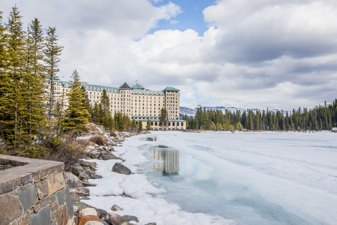 Looking for luxury lodging on your next trip to Banff? Check out our pros & cons of the Fairmont Lake Louise Accommodation | luxury hotel, luxury Banff hotels, Fairmont Canada hotels, Banff places to stay