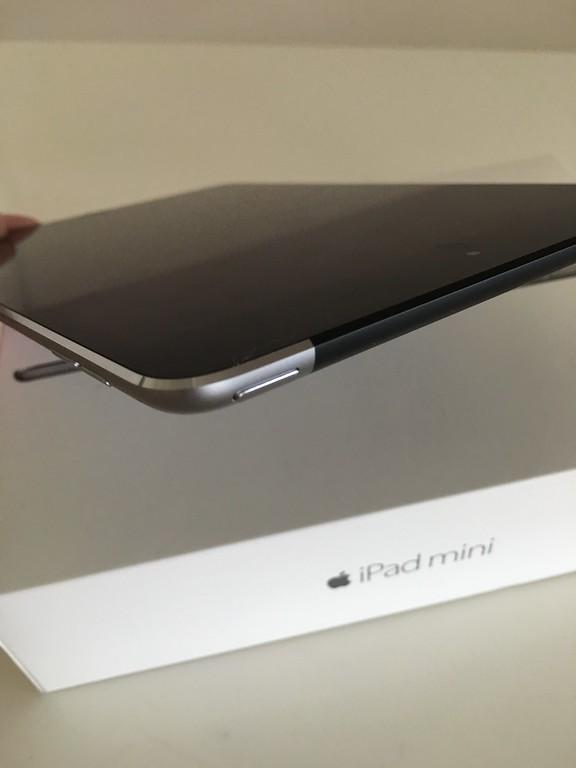 iPad Mini 4 Unboxing