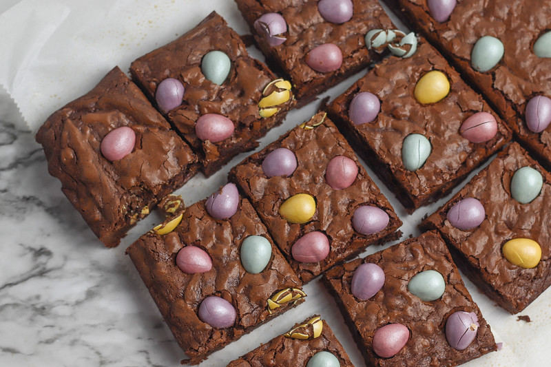 chocolate egg brownies