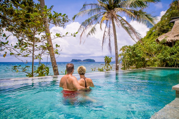 If you are looking for paradise, a visit to El Nido in the Philippines is a must. For a truly luxurious attraction, don't miss a stay at El Nido Resorts Pangulasian Island.