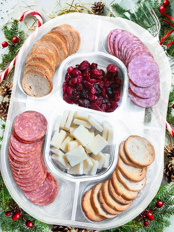 The NEW Hillshire Social Snacking Platter is the perfect appetizer for all your get togethers this holiday season. Delicious and perfect for all parties #ad