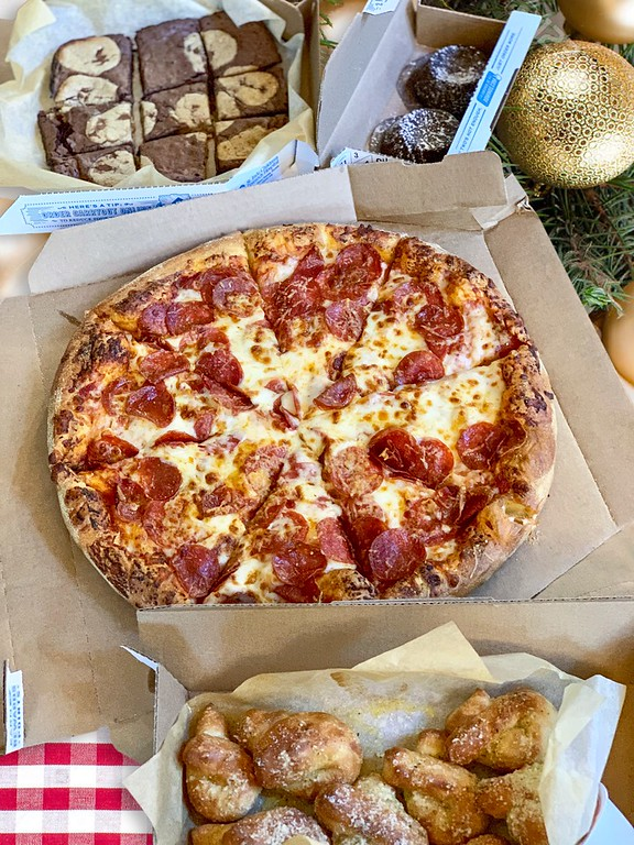 Whatever your NYE plans are, make sure you include Domino's in them. Here's 5 ways we jazz up our New Year's Eve celebrations right at home! #ad #DominosNYE