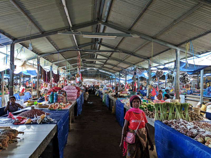Travel to East Timor - Taibesi market stalls