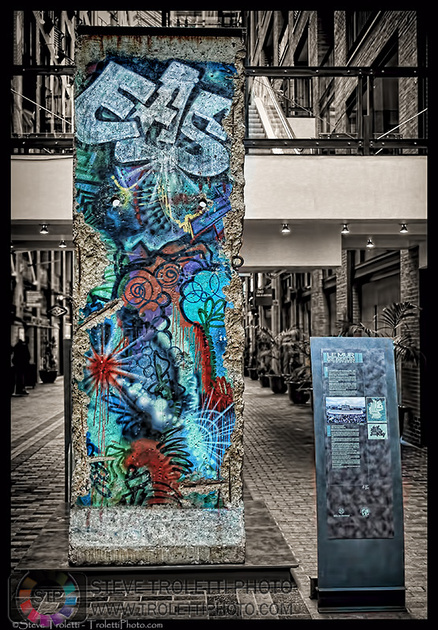 Steve Troletti Photo - Tempus Aura: Art In and Around the City / Expositions d'art &emdash; The Berlin Wall - World Trade Center Montreal
