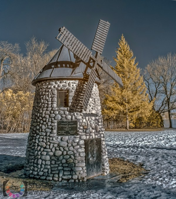 Steve Troletti Editorial, Nature and Wildlife Photographer: INFRARED - INFRAROUGE &emdash; Wind Mill - Moulin IR