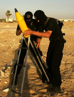 Islamic Jihad graduates demonstrate fighting skills in Gaza.
