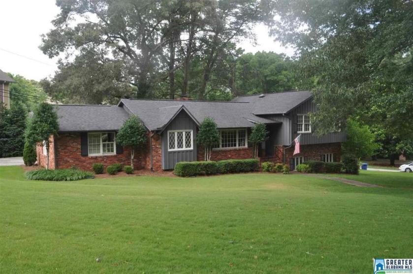 Property for sale at 1815 Thornton Pl, Hoover,  Alabama 35226