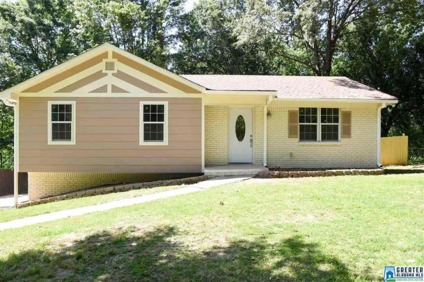 Property for sale at 5242 Parrish Ct, Adamsville,  Alabama 35005