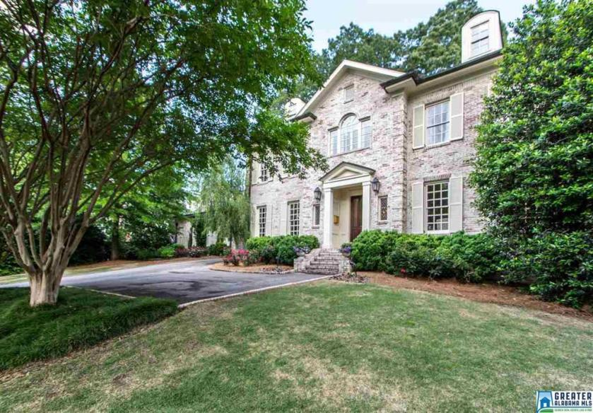 Property for sale at 615 Greenwich Cir, Vestavia Hills,  Alabama 35243
