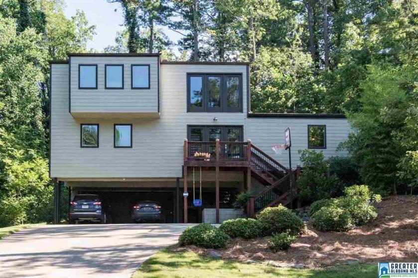Property for sale at 3328 Valley Park Dr, Vestavia Hills,  Alabama 35243