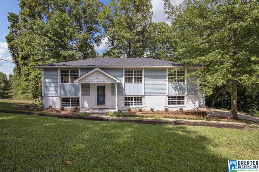 Property for sale at 1434 Navajo Trl, Alabaster,  Alabama 35007