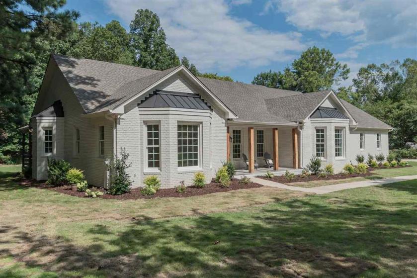 Property for sale at 8008 Woodfern Dr, Indian Springs Village,  Alabama 35124