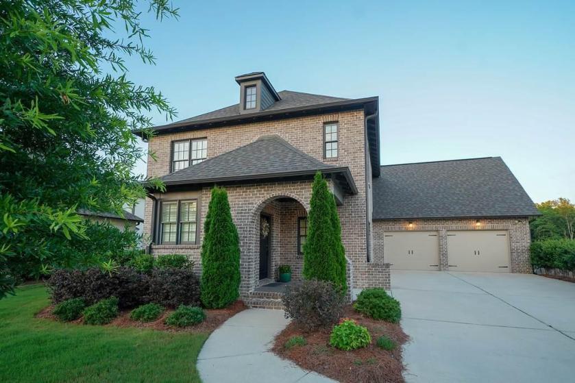 Property for sale at 668 Provence Dr, Vestavia Hills,  Alabama 35242