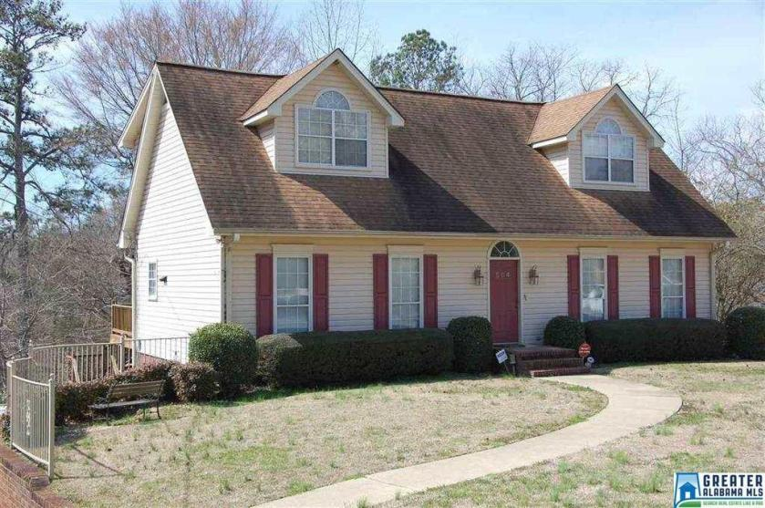Property for sale at 504 Lakeshore Ln, Oneonta,  Alabama 35121