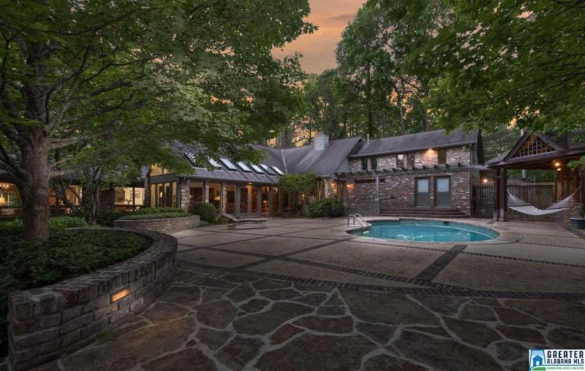 Property for sale at 4552 Dolly Ridge Rd, Vestavia Hills,  Alabama 35243