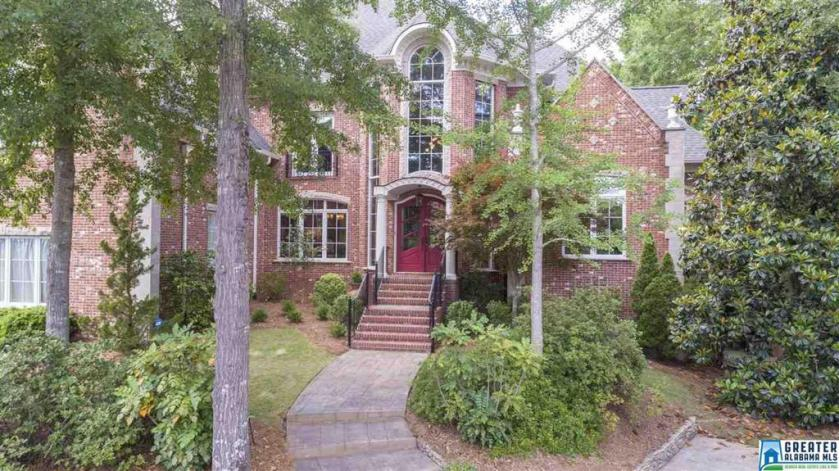 Property for sale at 2008 Baneberry Dr, Hoover,  Alabama 35244