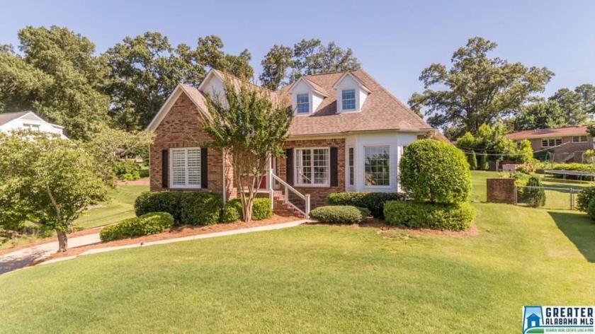 Property for sale at 3133 Dolly Ridge Dr, Vestavia Hills,  Alabama 35243