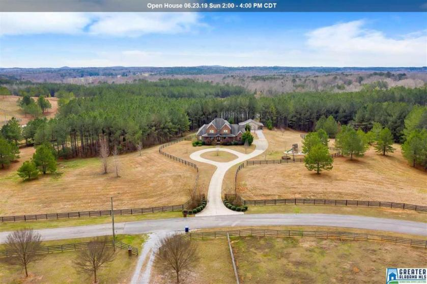 Property for sale at 104 Shire Valley Rd, Chelsea,  Alabama 35051